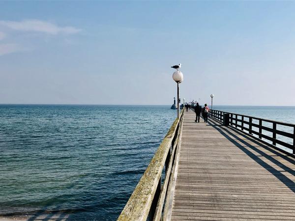 Frühjahr 2019 in Grömitz – die Strandkörbe sind wieder am richtigen Platz die Seebrücke erwartet auch in diesem Jahr zahlreiche Gäste…
